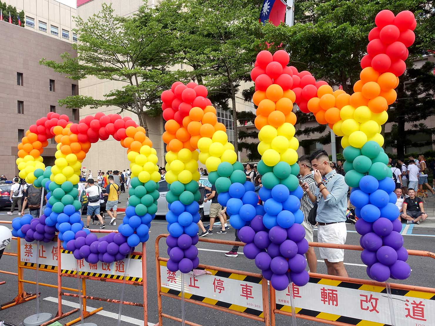 台灣同志遊行(台湾LGBTプライド)2019の会場に登場したSONYのレインボーバルーン