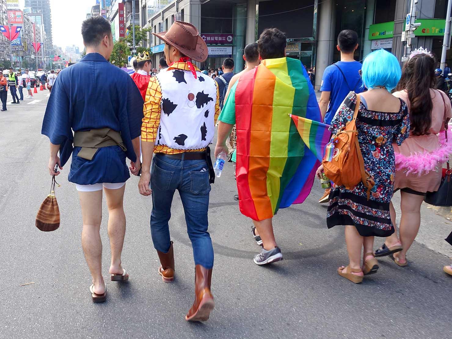 台灣同志遊行(台湾LGBTプライド)2019のパレードでキャラクターにコスプレする参加者
