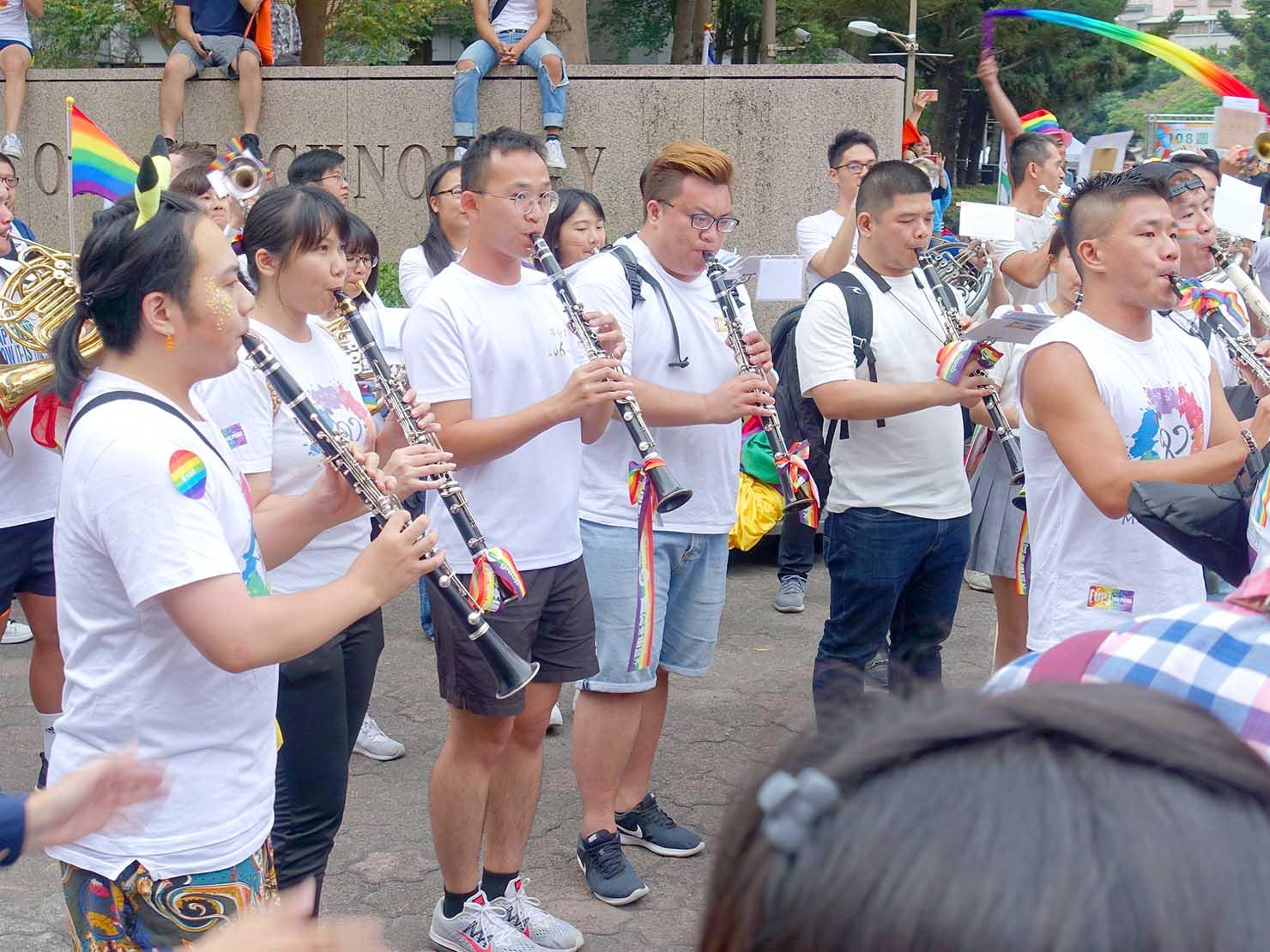台灣同志遊行(台湾LGBTプライド)2019のパレードで演奏するブラスバンド