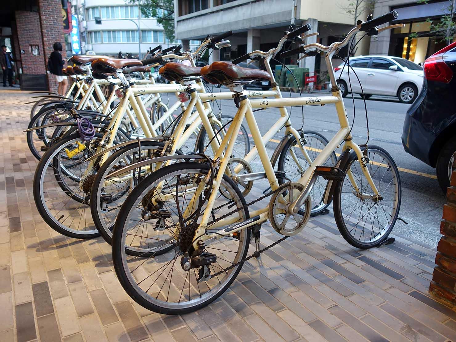 台中駅前のおすすめデザインホテル「紅點文旅 RedDot Hotel」のレンタサイクル