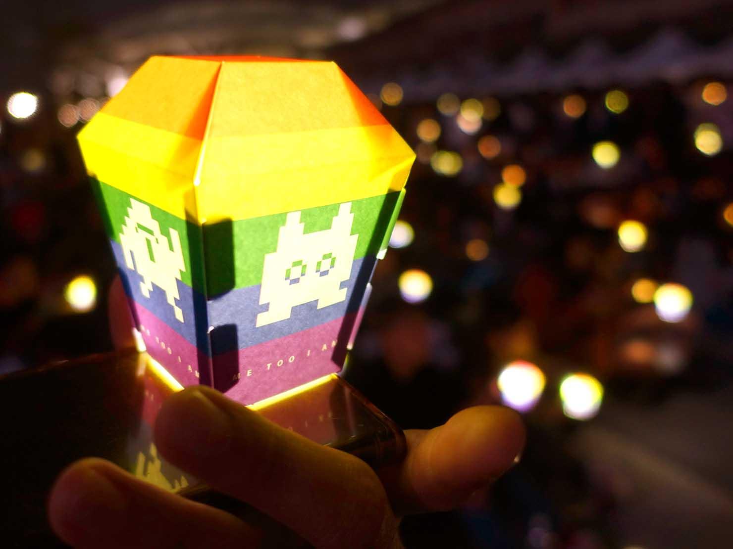 台中同志遊行(台中LGBTプライド)2019パレード後の会場で配布されたレインボーミニ天燈