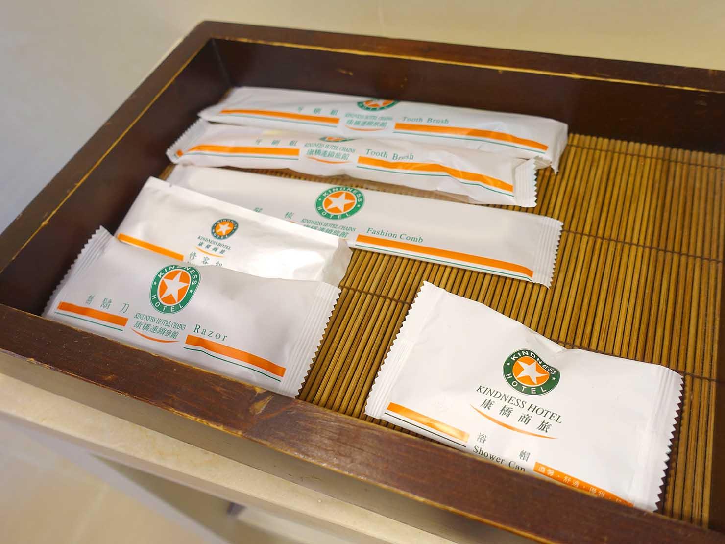 高雄のおすすめチェーンホテル「康橋商旅 Kindness Hotel(漢神館)」豪華雙人房バスルームのアメニティ