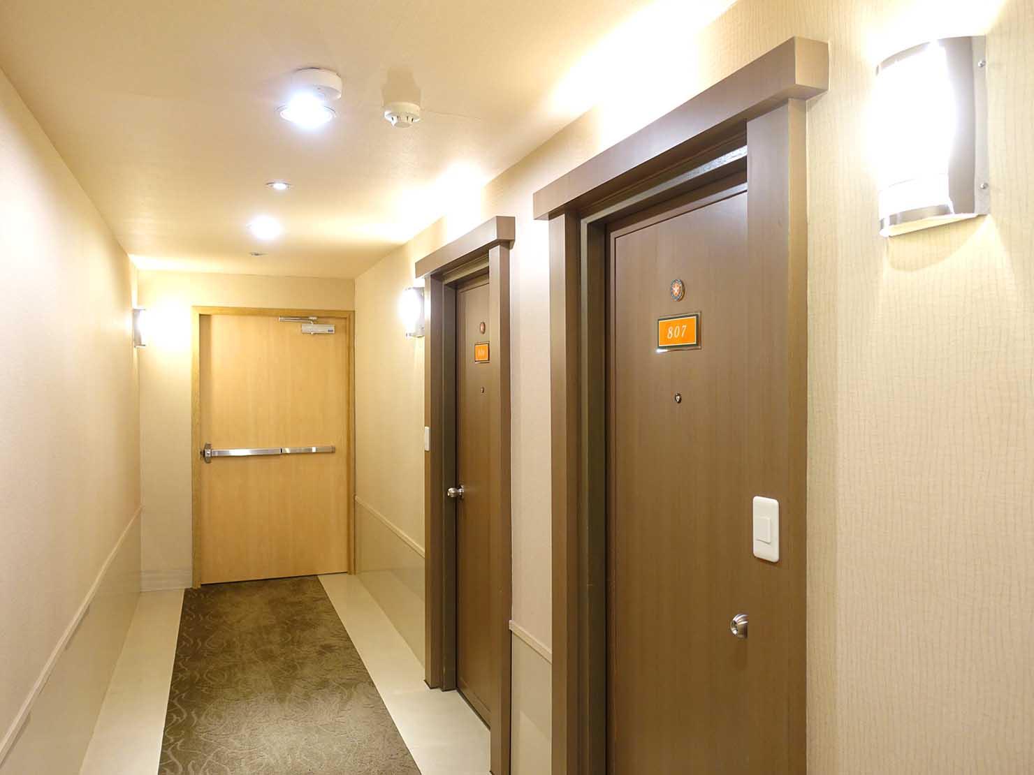 高雄のおすすめチェーンホテル「康橋商旅 Kindness Hotel(漢神館)」のエレベーターホール