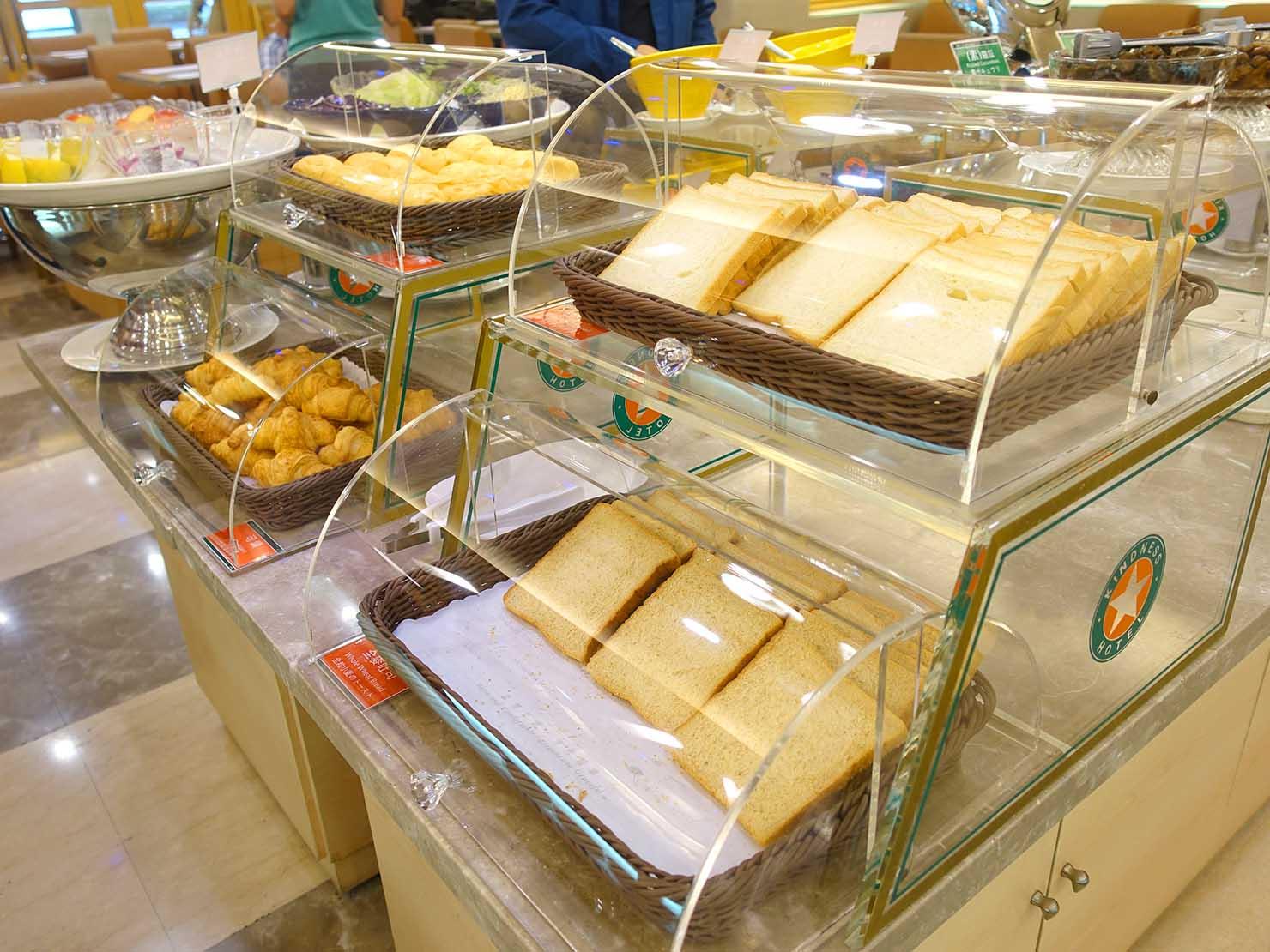 高雄のおすすめチェーンホテル「康橋商旅 Kindness Hotel(漢神館)」朝食ビュッフェのパン