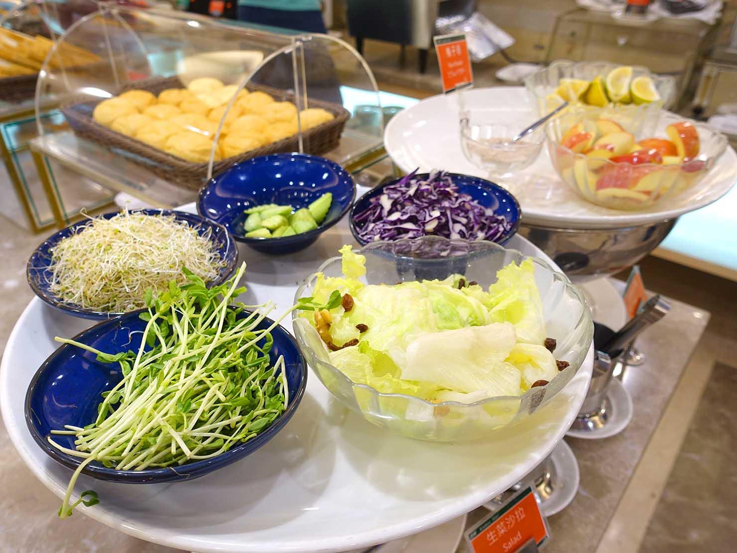 高雄のおすすめチェーンホテル「康橋商旅 Kindness Hotel(漢神館)」朝食ビュッフェのサラダ