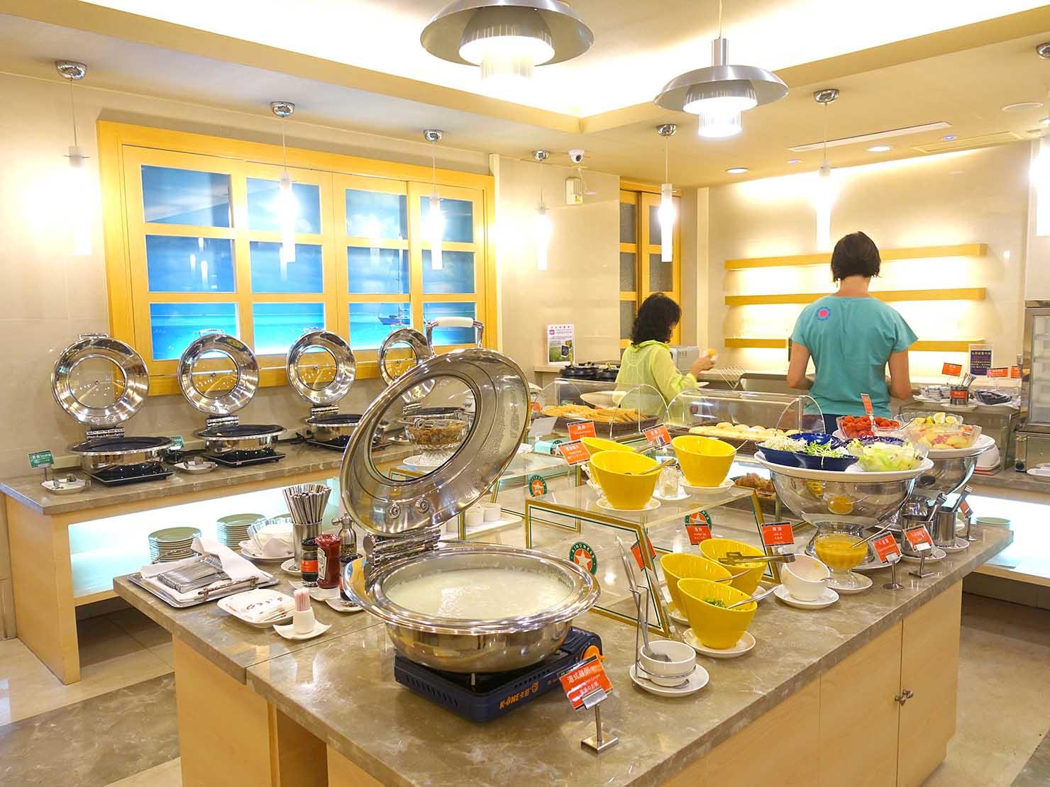 高雄のおすすめチェーンホテル「康橋商旅 Kindness Hotel(漢神館)」朝食のビュッフェコーナー