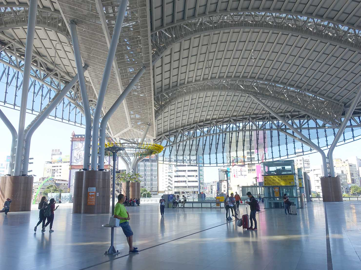 台鐵・台中駅のエントランス