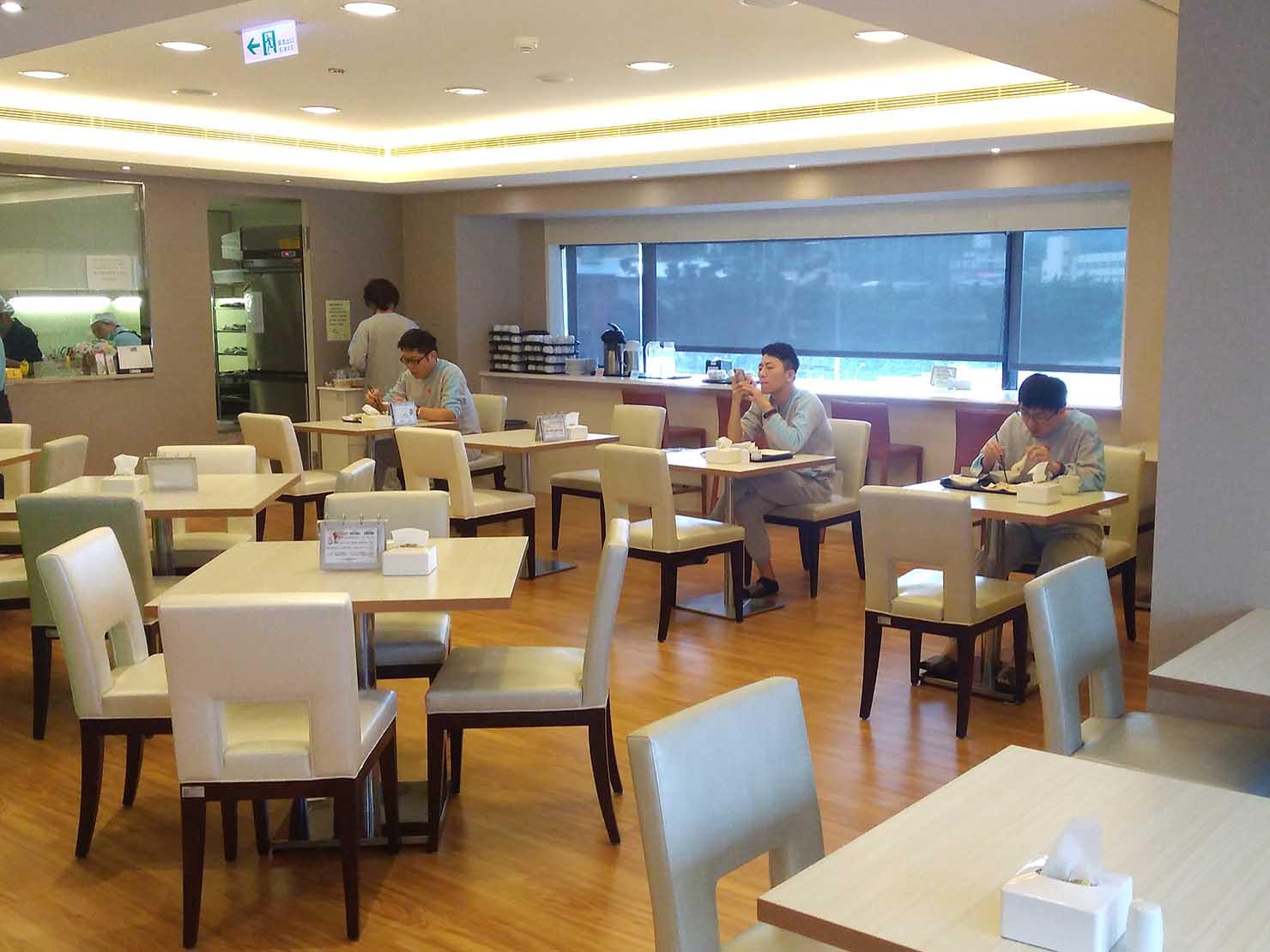 台湾の健康診断センター「國泰健康管理」のカフェテリア
