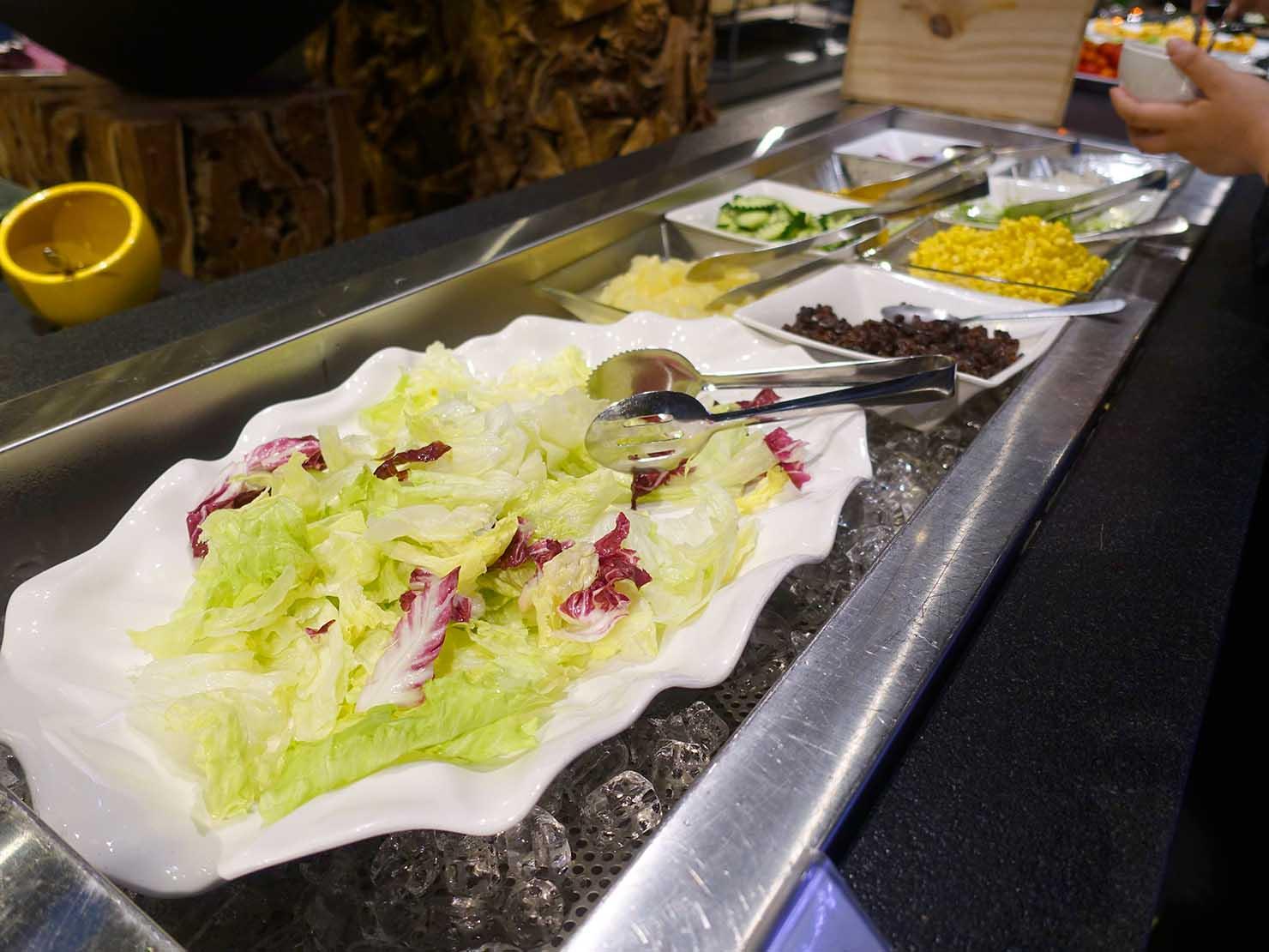 嘉義のおすすめホテル「嘉義觀止」B1F觀止餐廳でいただく朝食ビュッフェのサラダ
