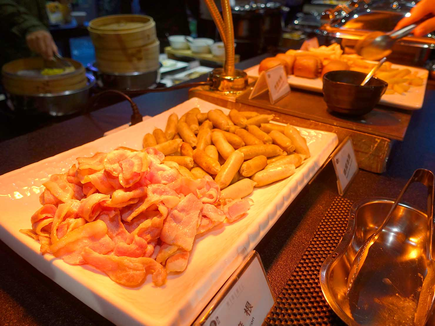 嘉義のおすすめホテル「嘉義觀止」B1F觀止餐廳でいただく朝食ビュッフェのベーコン