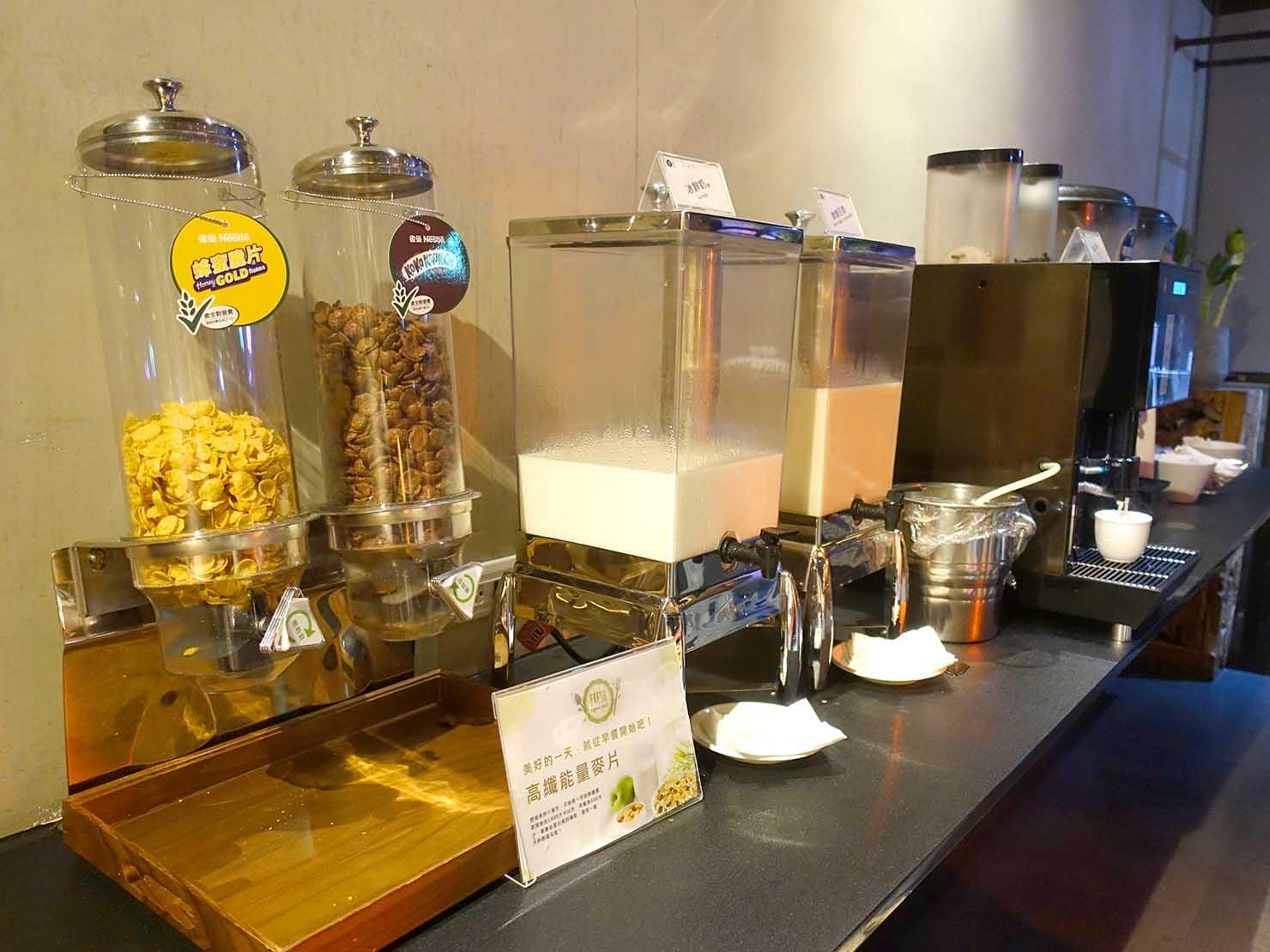 嘉義のおすすめホテル「嘉義觀止」B1F觀止餐廳でいただく朝食ビュッフェのコーンフレーク