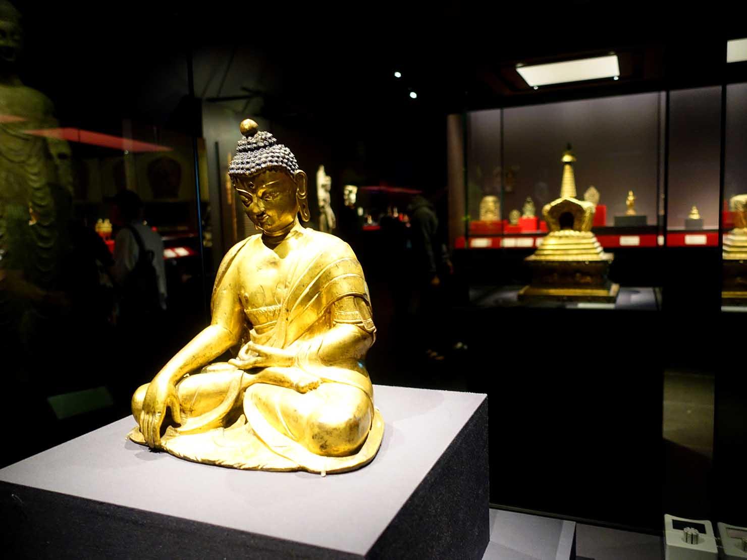 嘉義のおすすめ観光スポット「故宮南院」に展示された仏像