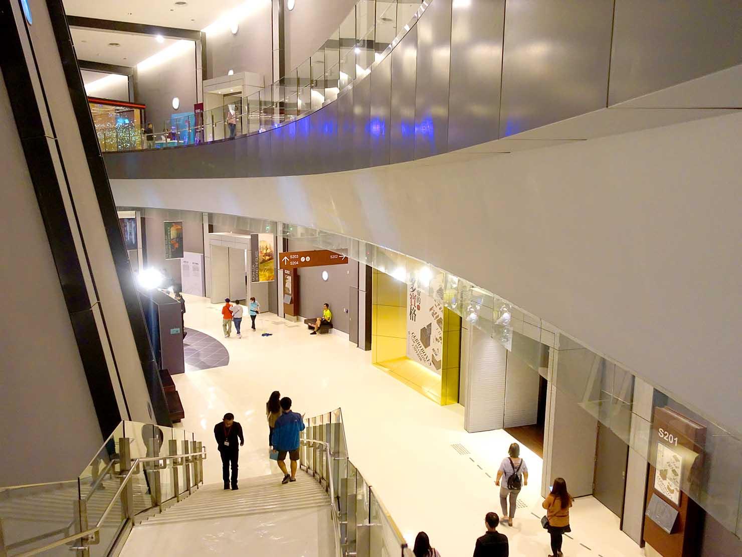 嘉義のおすすめ観光スポット「故宮南院」展示フロアの廊下