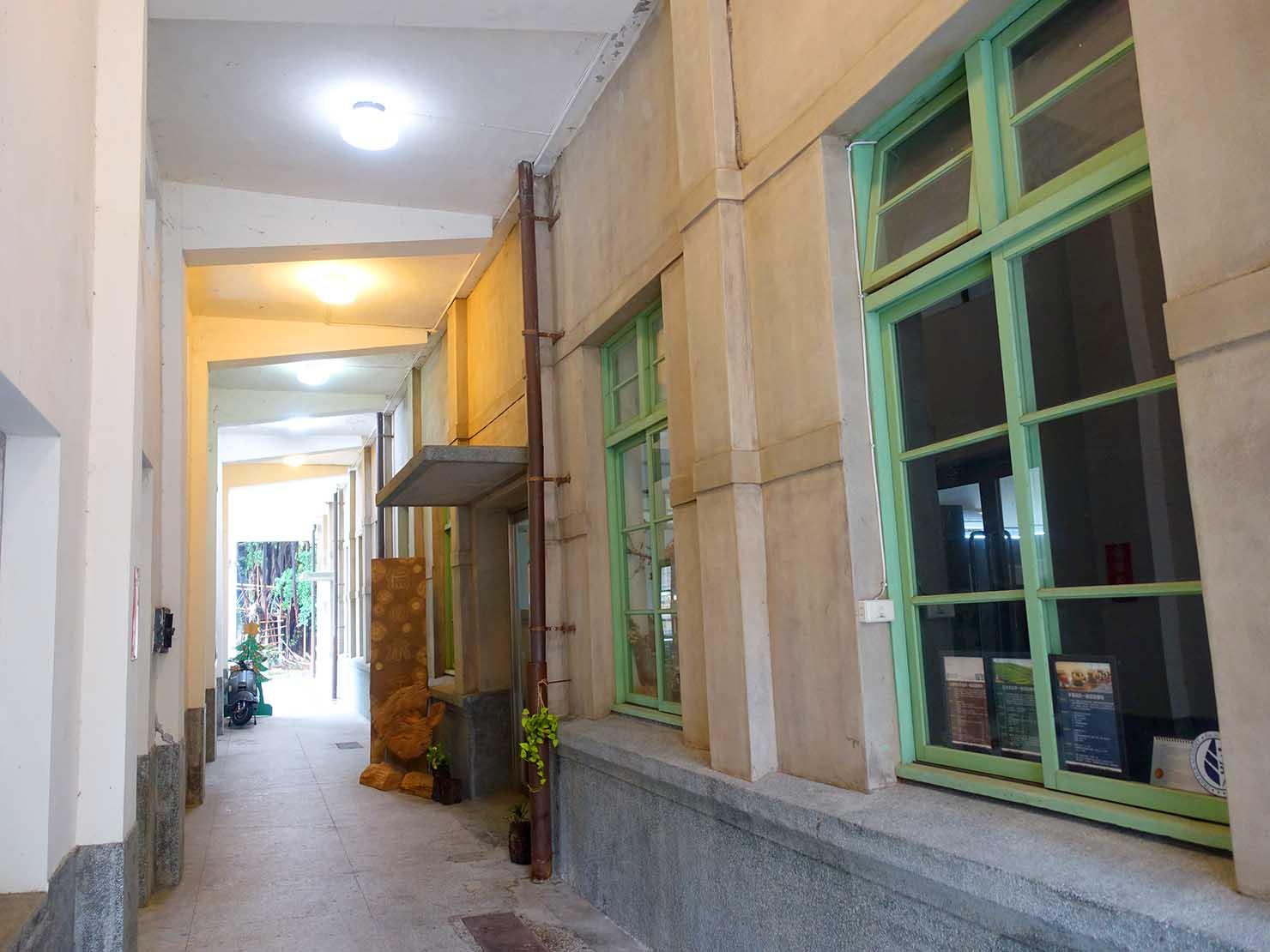嘉義のおすすめ観光スポット「嘉義文創園區」の廊下
