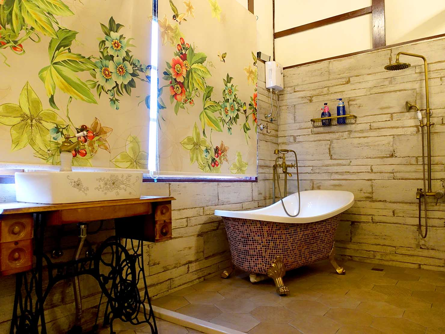 嘉義のおすすめ観光スポット「台灣花磚博物館」2Fのバスルーム