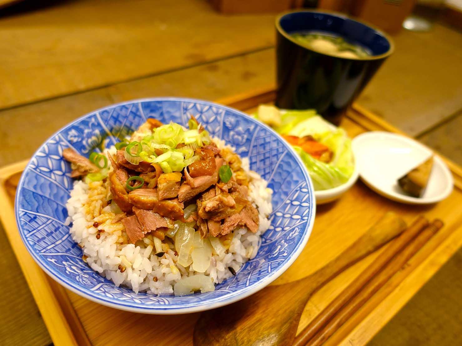 嘉義のおすすめ観光スポット「檜意森活村」のレストラン・湯城鵝行の鵝肉飯套餐