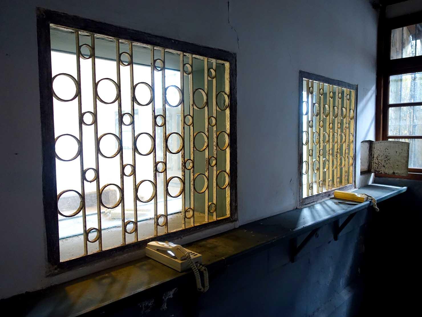 嘉義のおすすめ観光スポット「嘉義舊監獄」の面会室