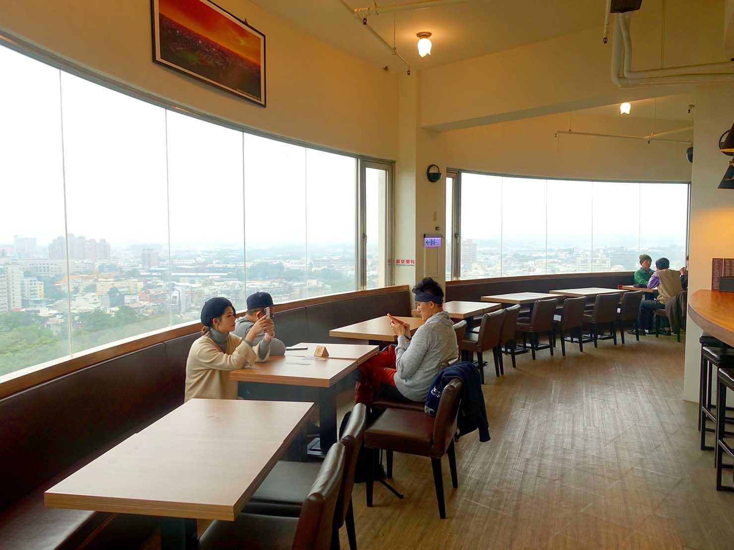 嘉義のおすすめ観光スポット「射日塔」のカフェ