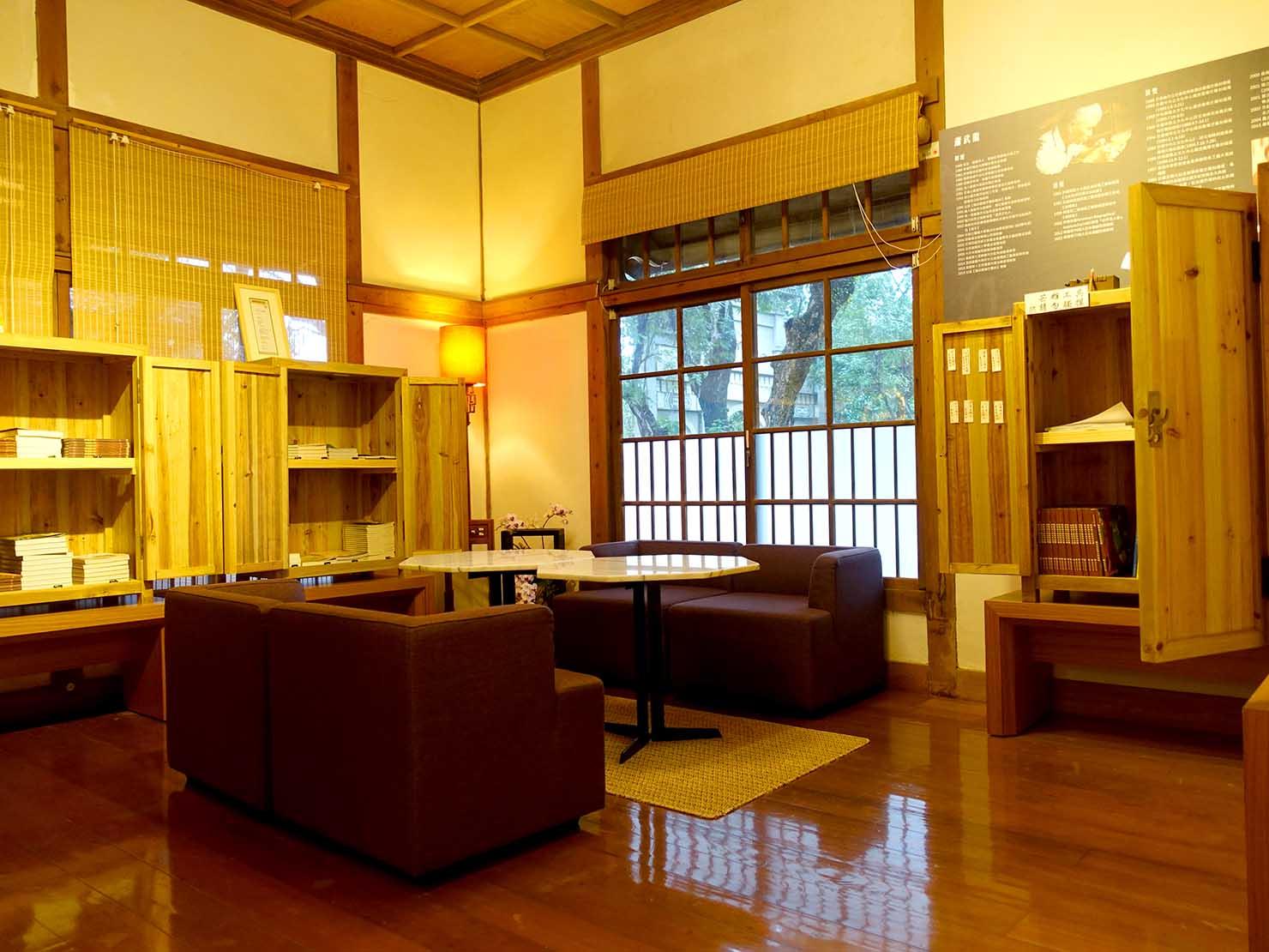 嘉義のおすすめ観光スポット「嘉義市史蹟資料館」の板張りのお部屋