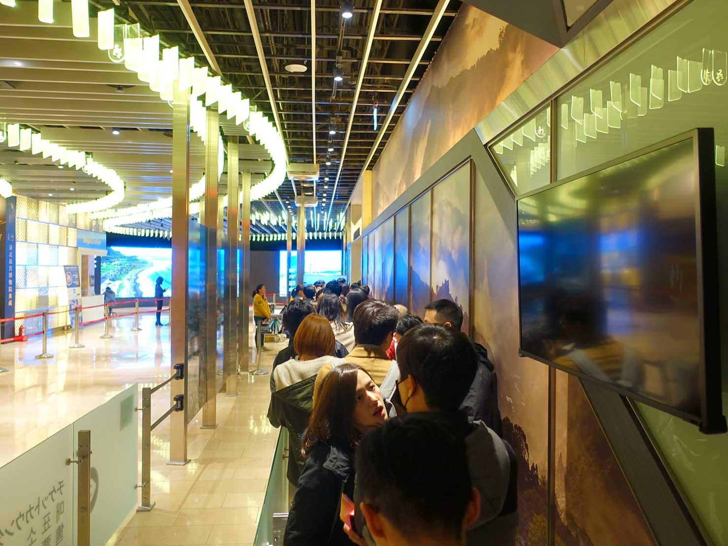 KKday「台北101 89階展望台カウントダウンパーティー」エレベーター前