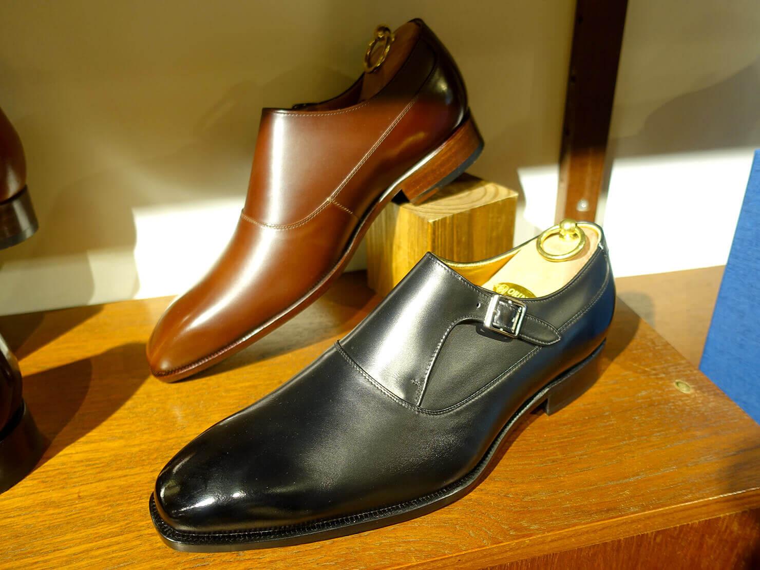 台湾のおすすめ革靴ブランド「林果良品 ORINGO」台北東門店に並ぶレディースの孟克鞋(モンクストラップ・シューズ)
