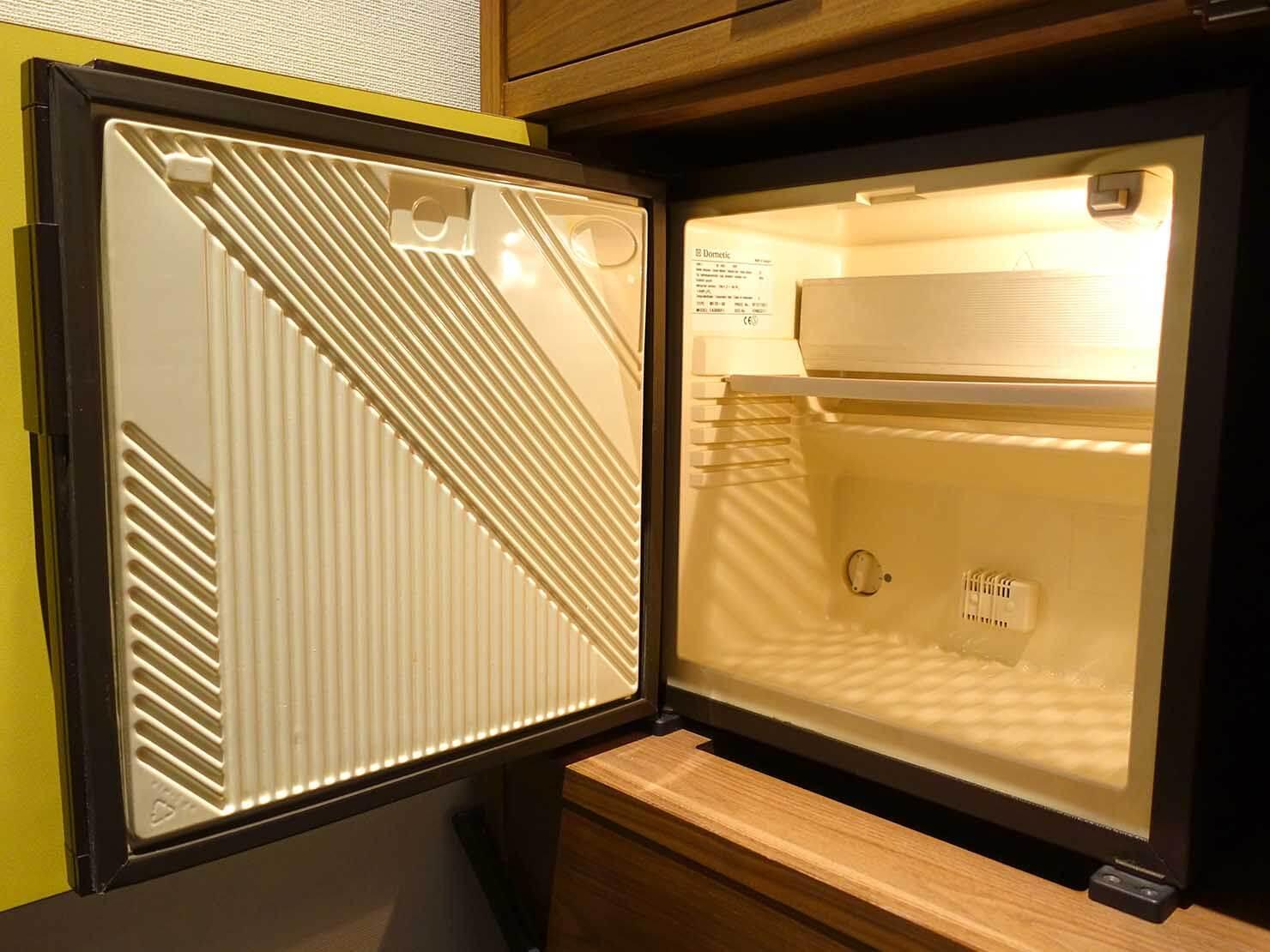 福岡・中洲川端にあるおしゃれなおすすめホテル「THE LIVELY」スタンダードダブルのミニ冷蔵庫