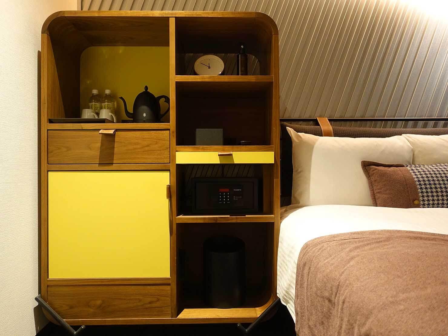 福岡・中洲川端にあるおしゃれなおすすめホテル「THE LIVELY」スタンダードダブルの棚