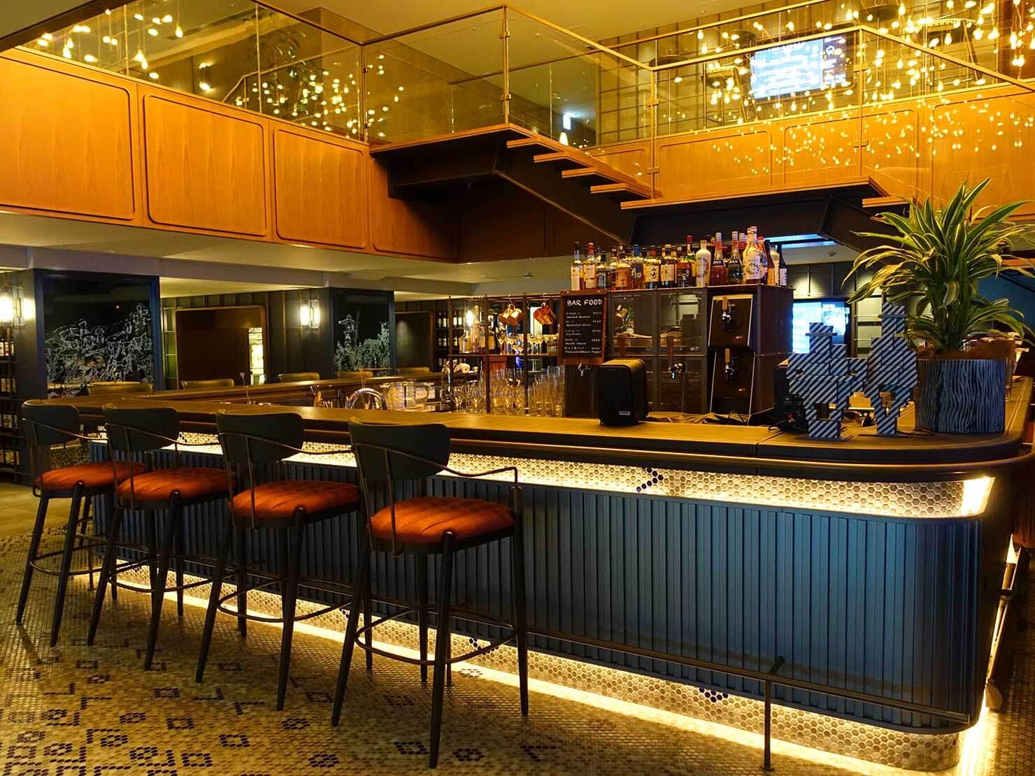 福岡・中洲川端にあるおしゃれなおすすめホテル「THE LIVELY」1Fバーカウンター