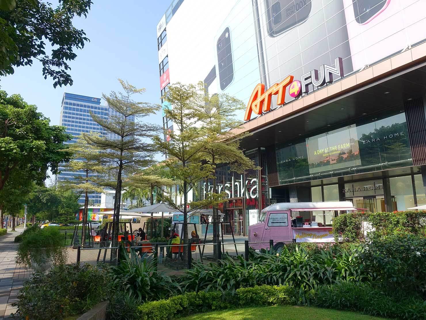 台北・信義區のファッションビル「ATT 4 FUN」