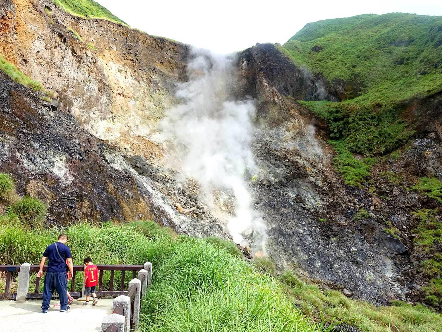 台北・陽明山のおすすめスポット「小油坑」の展望台