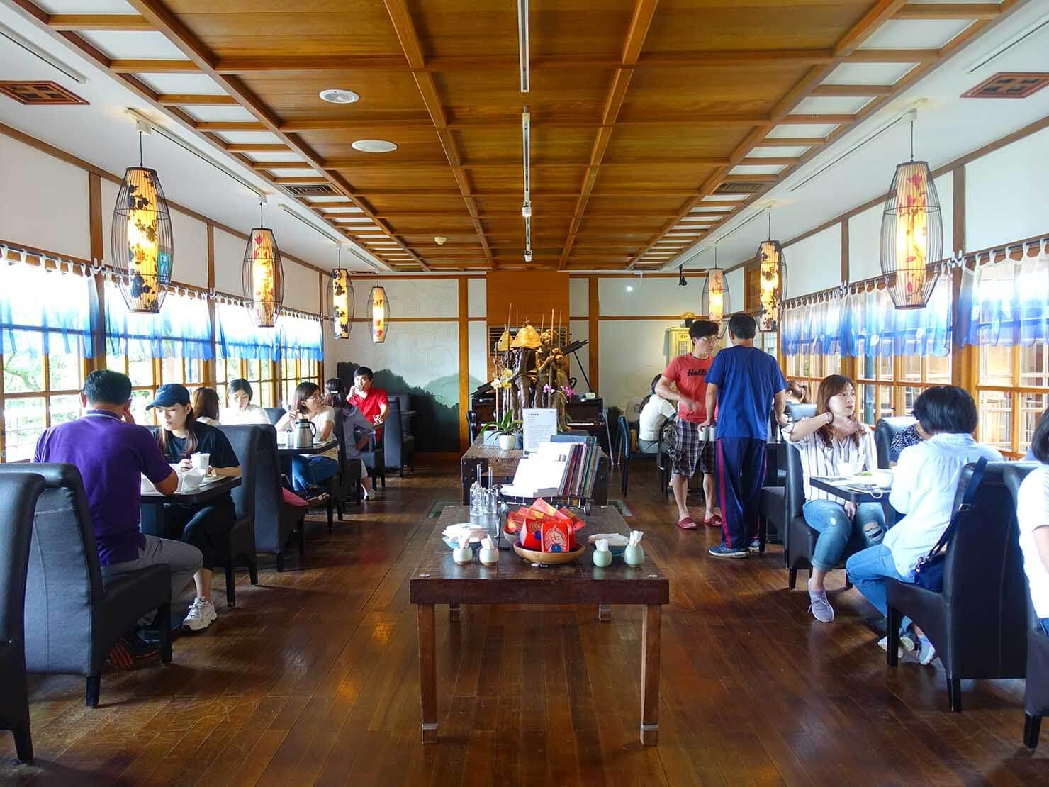 台北・陽明山のおすすめスポット「草山行館」のカフェテリア