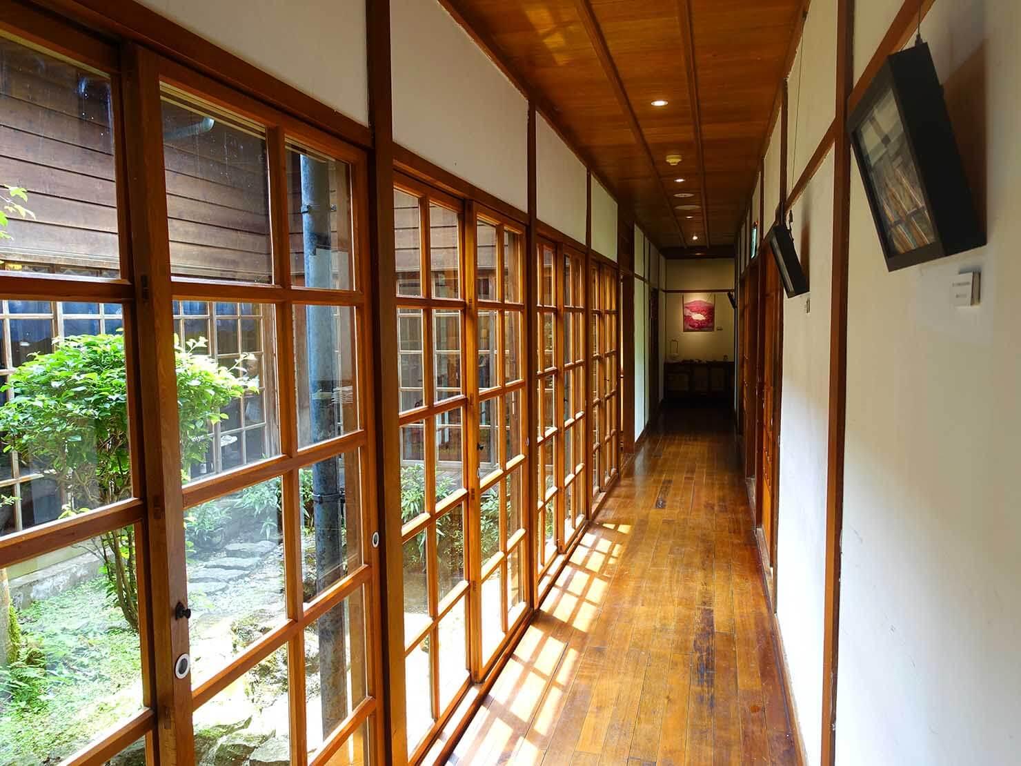 台北・陽明山のおすすめスポット「草山行館」の廊下