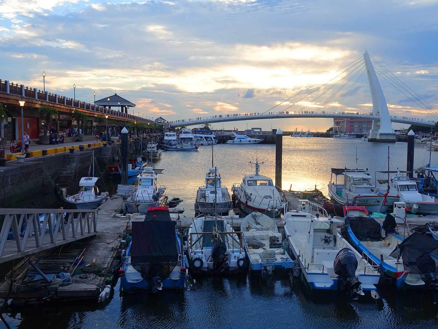 台北・淡水のおすすスポット「漁人碼頭」の情人橋
