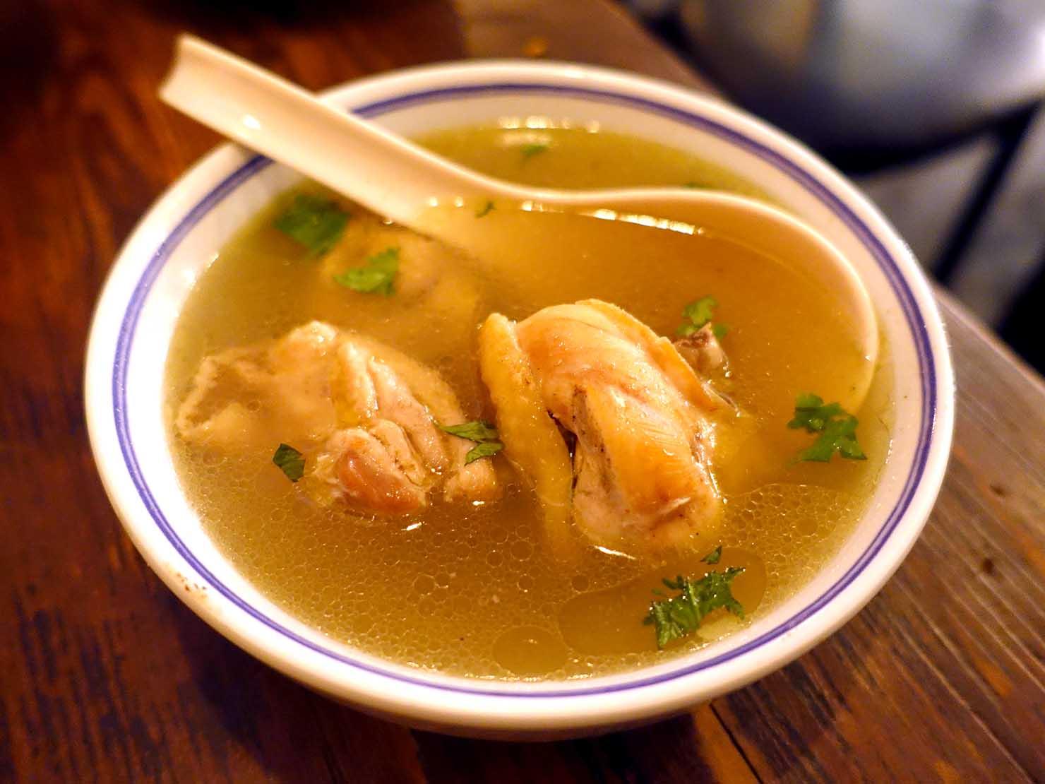 台北駅前エリア(前站)のおすすめグルメ店「話一隻雞」の招牌燉雞湯
