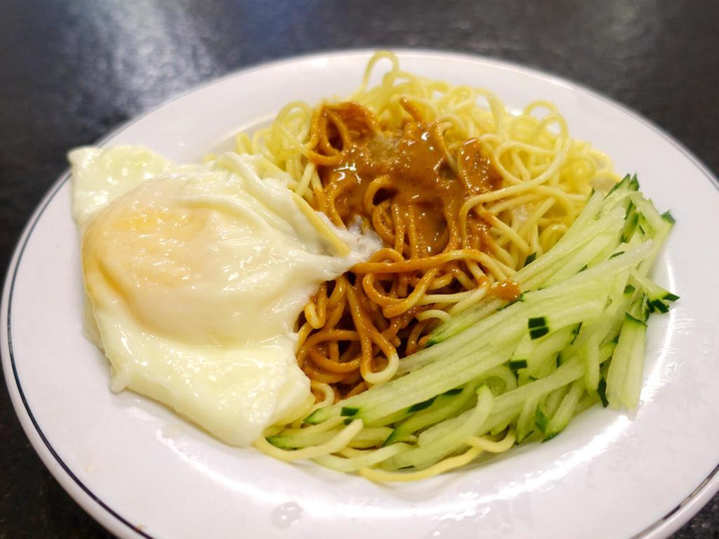 台北・西門町での朝ごはんにおすすめのグルメ店「西門麵店」の涼麵