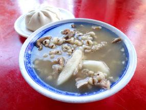台北・西門町での朝ごはんにおすすめのグルメ店「惠安四神湯」の四神綜合湯