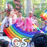 台灣同志遊行(台湾LGBTプライド)2020の「G-STAR」パレードカーに立つGOGO