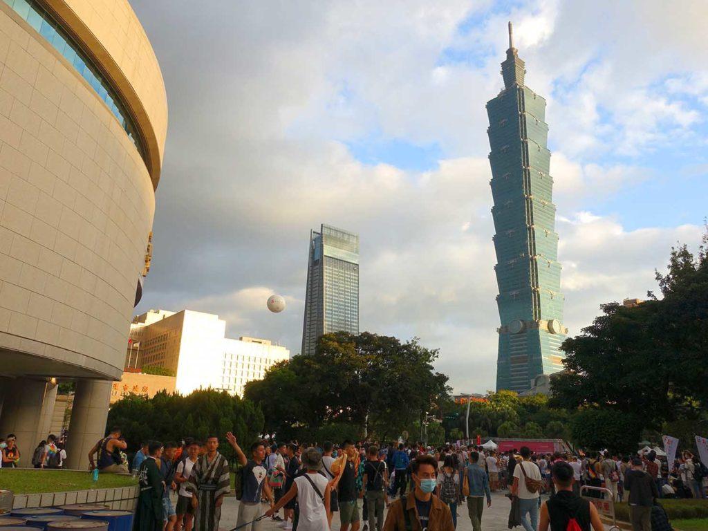 台灣同志遊行(台湾LGBTプライド)2020のゴール地点となった市政府前広場
