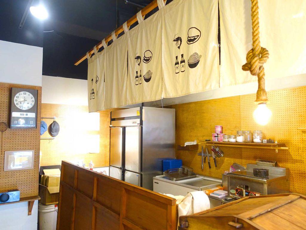 台中駅徒歩5分のおすすめホテル「新盛橋行旅」1Fにある刈包店・盛橋刈包の店内