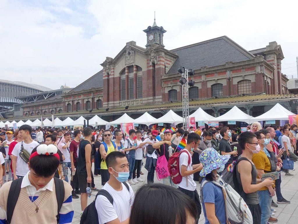 台中同志遊行(台中LGBTプライド)2020の会場となった台中駅前