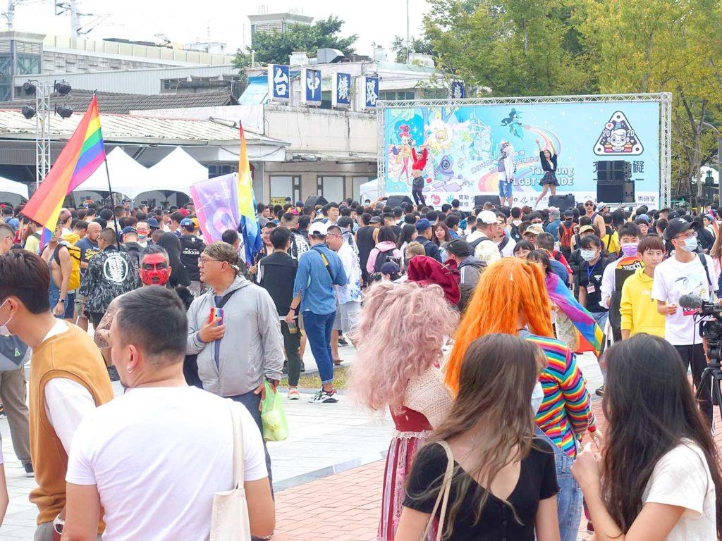台中同志遊行(台中LGBTプライド)2020会場の特設ステージ前