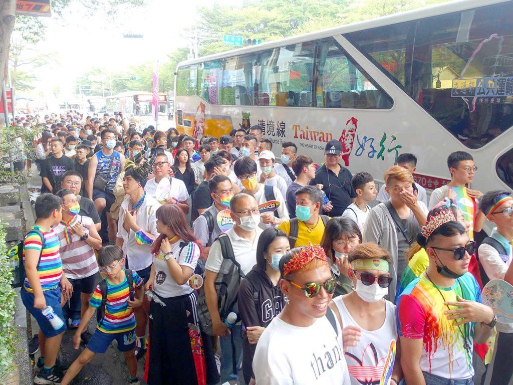 台中同志遊行(台中LGBTプライド)2020の会場から出発したパレード隊列