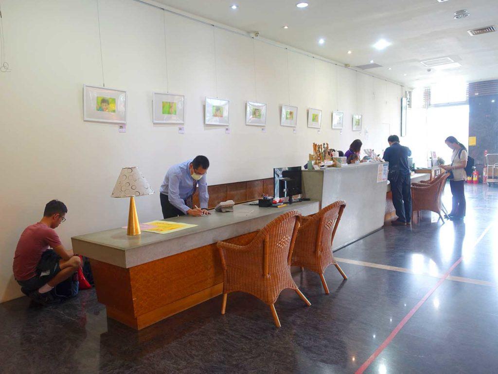 台南・關子嶺温泉のホテル「關子嶺統茂溫泉會館」のフロント