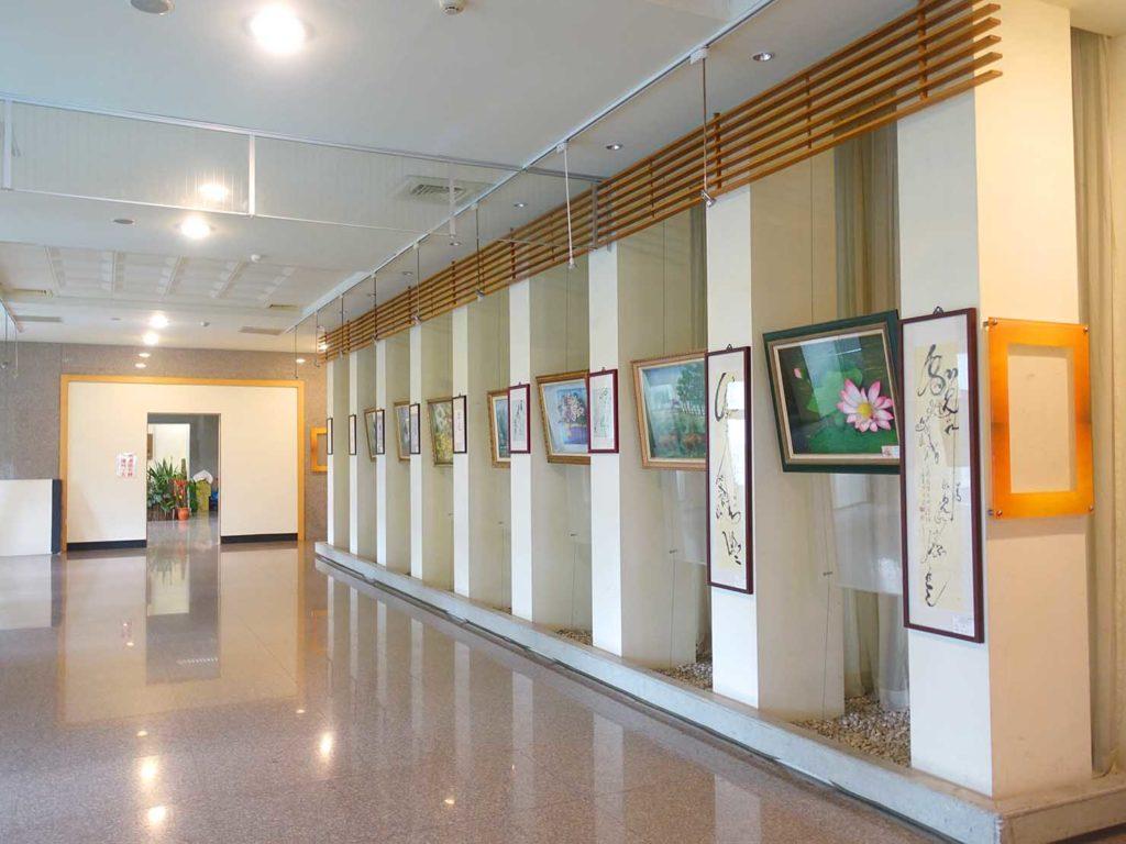 台南・關子嶺温泉のホテル「關子嶺統茂溫泉會館」ロビーに飾られた絵画