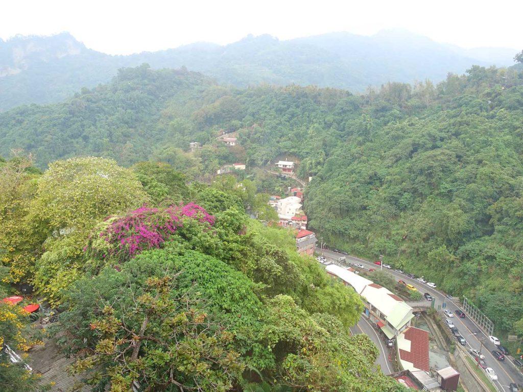 台南・關子嶺温泉のホテル「關子嶺統茂溫泉會館」ダブルルームから眺める景色