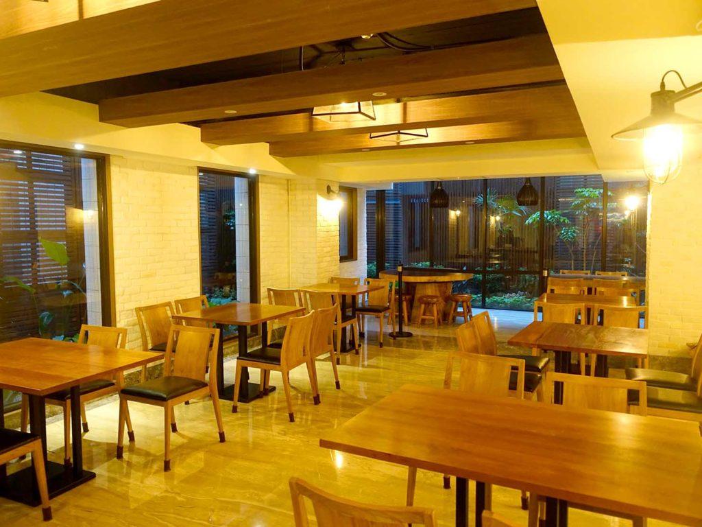 嘉義・文化路夜市すぐのおすすめホテル「蘭桂坊花園酒店」のダイニングスペース