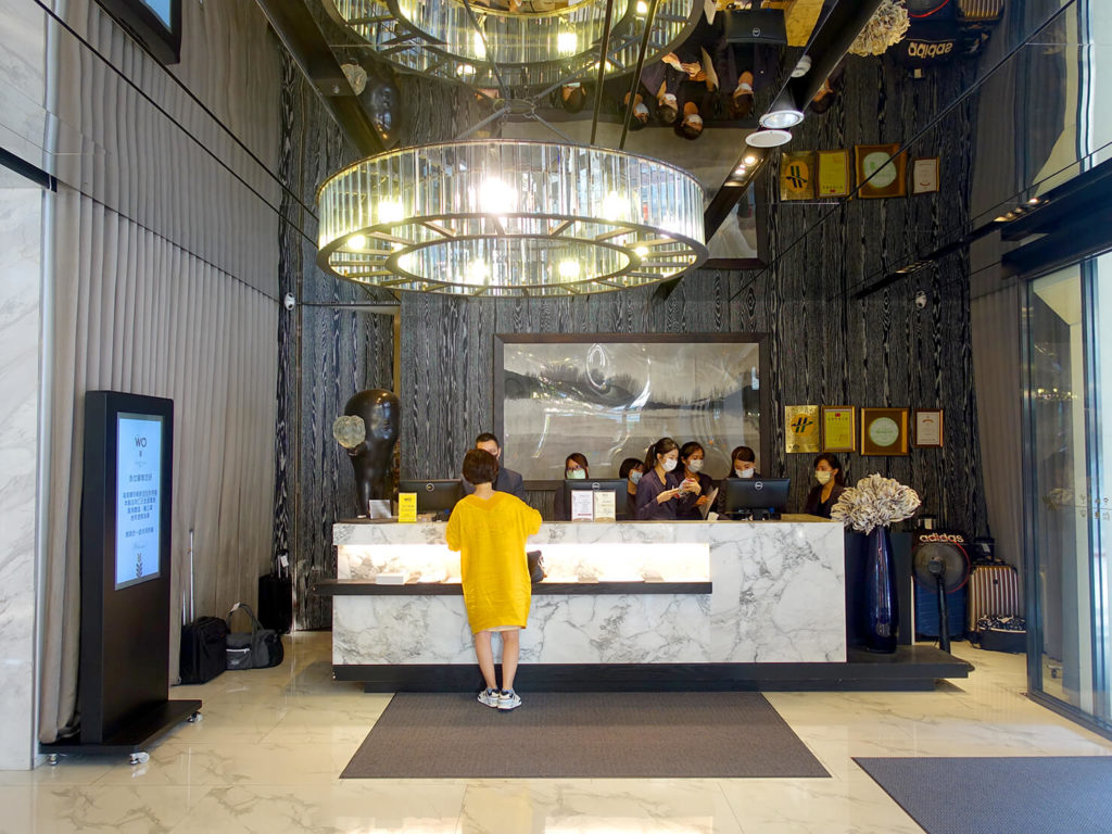 高雄・市議會駅エリアのおすすめホテル「WO Hotel」のフロント