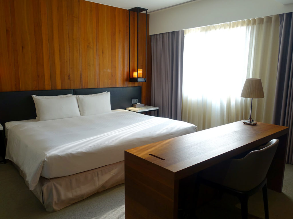 高雄・市議會駅エリアのおすすめホテル「WO Hotel」デラックスダブルの昼間