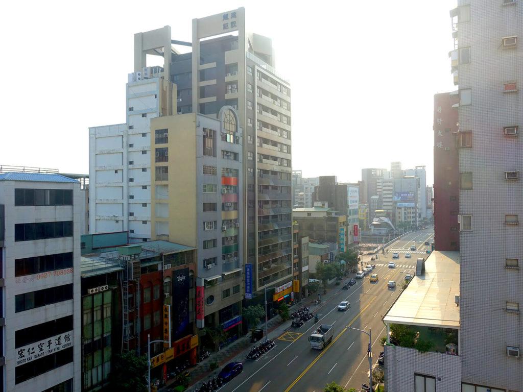 高雄・市議會駅エリアのおすすめホテル「WO Hotel」デラックスダブルの窓から見える風景