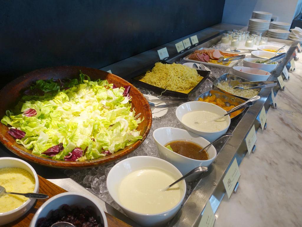 高雄・市議會駅エリアのおすすめホテル「WO Hotel」の朝食ビュッフェ(サラダ)